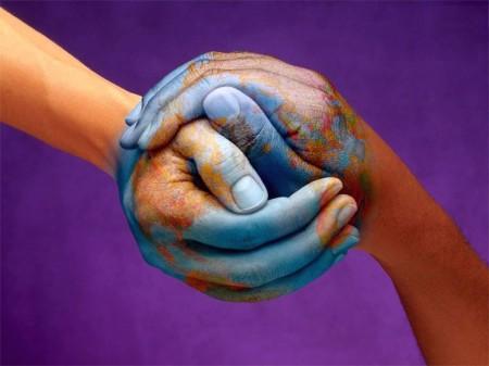 mundo_mãos